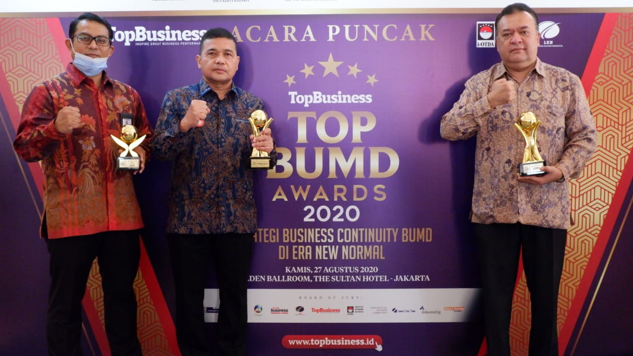 4 Tahun Berturut-turut, Gubsu dan Bank Sumut Raih Penghargaan TOP BUMD Awards 2020